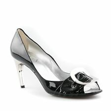 "Roger Vivier ""Spuntata Gigi"" Patent Leather Pumps - Size 39"