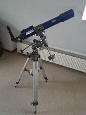 Teleskop mit Stativ