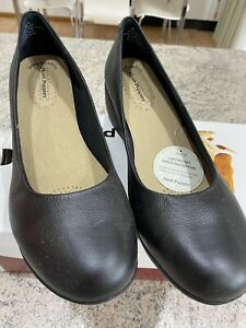 WOMENS HUSH PUPPIES DYLAN - SIZE 11 - Black Wedge Leather Ladies Shoes