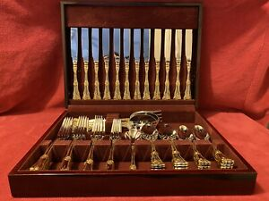 Royal Albert Old Country Roses 65 Piece Flatware Set 18/10 Wooden Box BRAND NEW
