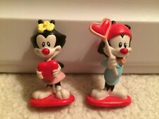 Vintage 1997 Animaniacs Wakko & Dot Valentines Day PVC Figures Elmers Heart Cake