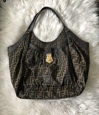 Подлинный Fendi Zucca сумка хобо большого размера