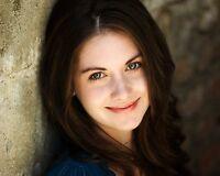Alison Brie 8x10 Photo #2