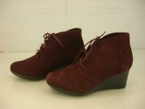Womens 6.5 M CLARKS Flores Rose Ankle Booties Burgundy Suede Leather Wedge Boots