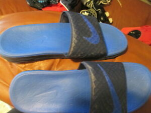 blue navy mens nike sandals cushioned used 1 time