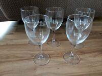 Set Of 5 Vintage Schwan's Wine Glasses