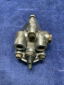 1992 Classic Saab 900 2.0L 16 Valve Turbo Engine Oil Filter Housing With Switch