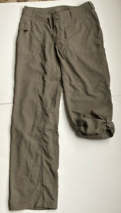 The NORTH FACE women's Nylon cargo hiking pants roll up  - size 4 olive green