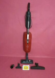 Miele  Upright vacuum Swing H1  Stick Vacuum & Attachments