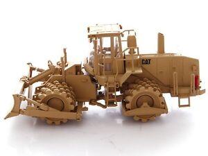 1:50 SCALE CAT MILITARY SOIL COMPACTOR- NORSCOT DIECAST CATERPILLAR 55254