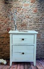 Möbel im Shabby-Stil aus Holz fürs Schlafzimmer