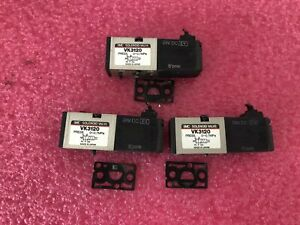 LOT OF 6 SMC VK3120 Solenoid Valve - 24 Vdc