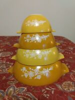 Set of 4 Vintage Butterfly Gold and Yellow Mixing Bowls, 441,442,443,444.