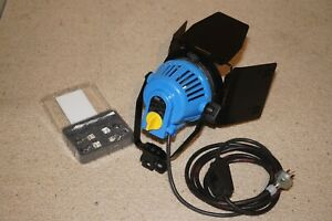 Arriflex Arrilite 600 Open Face Light Head with Barn Doors & Spare bulbs*Great*