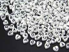 Buchstabenperlen 100 Stk. Herz weiß Buchstaben Perlen A-Z Herzen Mix Perle