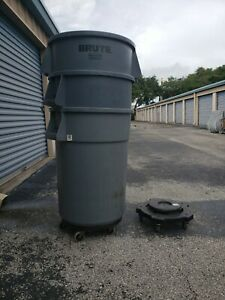 Used Rubbermaid (Brute) 44-Gallon Gray Plastic Commercial Trash Can + Dolly