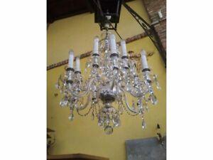 LAMPADARIO A 12 LUCI IN CRISTALLO DI BOEMIA NUMEROSE GOCCE MOLATE DIAMETRO 66cm