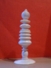 Antique bone chess queen; 80mm tall; 31 mm base; for spare in lovely condition