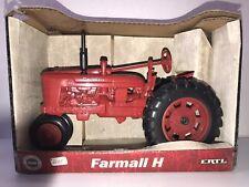 Ertl McCormick Farmall H Tractor 1:16 Scale Die-cast