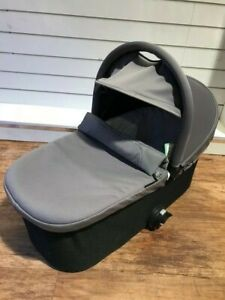 FM Baby Jogger Deluxe Carrycot - Grey **WAS £179.99** **NOW £49.99** SAVE £130.0