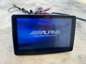 Alpine ILX-F309 Screen Multimedia Receiver With Bluetooth and HD