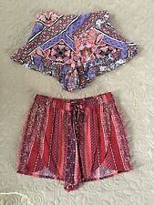 Lot Of 2 Women's Shorts Hollister Red Small En Creme Purple Medium Pattern Soft