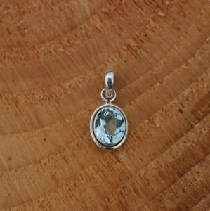 Handmade 925 Sterling Silver Blue Topaz Gemstone Oval Pendant Necklace