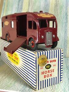 Dinky Toys #981 British Rail Express Horse box Hire Service VGinVGBox dark red