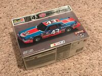 1984 Grand Prix Stock Race Car 1/25 Model Car kit sealed bags 43 Richard Petty