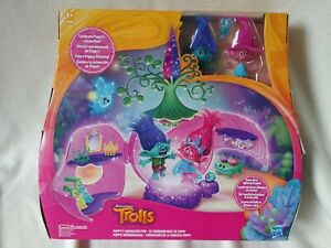 Dreamworks Trolls Poppy's Coronation Pod Play Set Hasbro