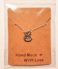 ** Lindo Bumble Bee Colgante Collar De Plata-regalo perfecto para los amantes de la abeja! **