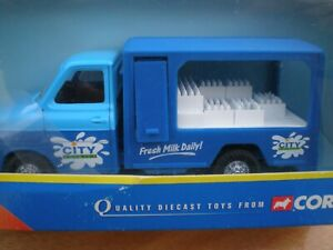 Corgi 56801 Ford Transit City Dairies Opening Fridge Compartment