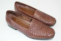 SAINT JOHNS BAY womens leather loafers size 7 weave slip on brown      Wi3