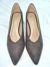 Boohoo Women's Pointed High Vamp Kitten Heel Suede Grey - Size UK 4