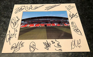 Fleetwood Town 20/21 MULTI HAND SIGNED 10x8 MOUNT DISPLAY Signed By 14 Players