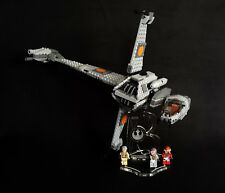 Présentoir incliné + emplacements pour 75050 B-Wing Fighter (Star Wars-LEGO)