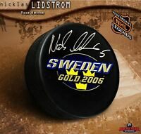 NICKLAS LIDSTROM Signed Team Sweden Gold 2006 Puck - Detroit Red Wings