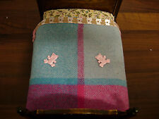 1 /12TH SCALE DOLLS HOUSE HANDMADE DOUBLE BED BLANKET PINK BLUE TEDDY BEARS