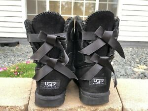 Women's Ugg Bailey Bow ll Suede Boots Size 8