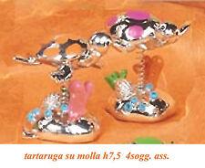 Tartaruga stilizzata in resina argentata su molla per bomboniere alta 7,5cm