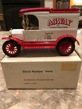 """ERTL #9444 1:25 """"AGWAY"""" 1913 FORD MODEL T DELIVERY BANK"""