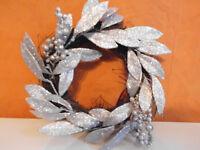 Dekoration Türkranz  ca 30cm Winter braun / silber Blätter  Beeren