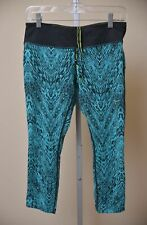 b1e7df76b10bb Nike Running Dri Fit Capri Leggings Teal Black Yoga Workout Women's size M