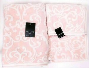 TAHARI PINK & WHITE SWIRL PATTERN COTTON BATH,2 HAND TOWEL,OR 2 FINGERTIP