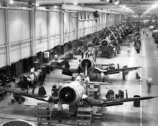 WW2  Photo WWII F4U Corsair Production Connecticut  World War Two / 1632