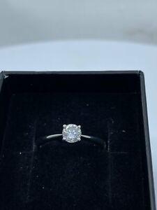 9ct White Gold & Diamond - HJ012
