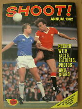 SHOOT FOOTBALL ANNUAL 1982 KEVIN KEEGAN - BRIAN CLOUGH - TREVOR FRANCIS