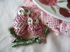 VINTAGE LARGE RUNWAY STATEMENT PINK OWL GOLD BROOCH PIN FOR COAT SCARF OR HAT