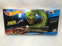 NEW Hot Wheels CITY SNAKE SMASHER Track w/Launcher and Car Mattel Race Track