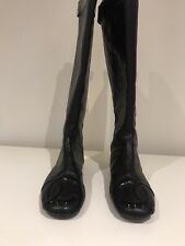 Beautiful Chanel Black Leather Quilted Boots, Flat.